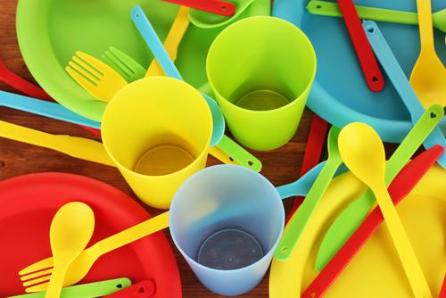 В России могут запретить пластиковую посуду