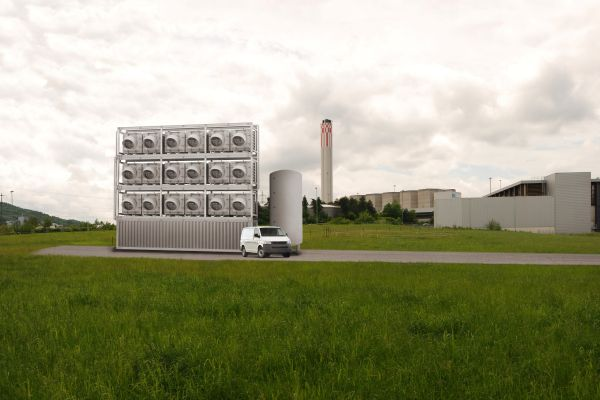 В Швейцарии начал работу первый в мире завод по переработке СО2