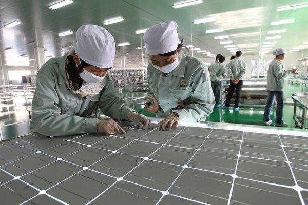 Panasonic запустил в производство солнечные батареи для автомобилей