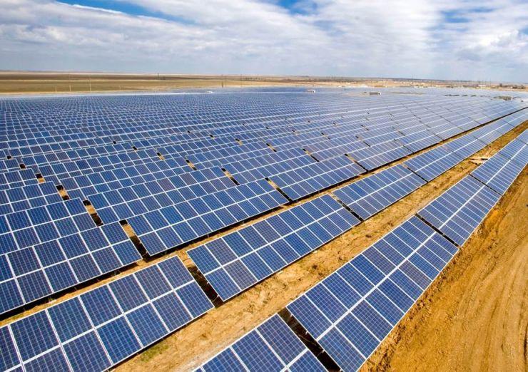 В Астраханской области ввели в эксплуатацию первую солнечную электростанцию