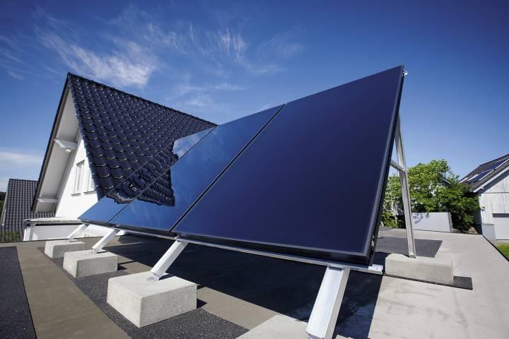 Первая в мире складная «солнечная крыша» начала работать в Швейцарии