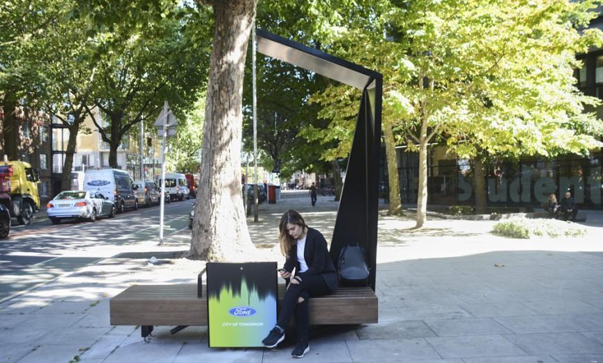 «Солнечные» скамейки в Лондоне
