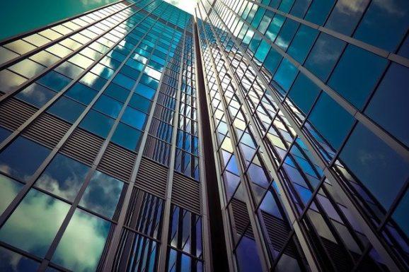 Созданы умные стекла, которые могут обогревать здания