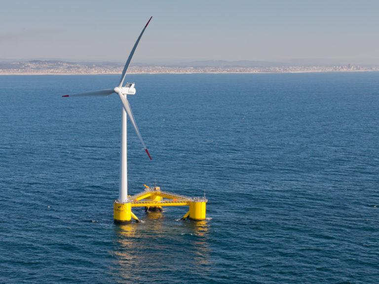 Самый большой в мире ветропарк Walney Extension заработал у берегов Британии (видео)
