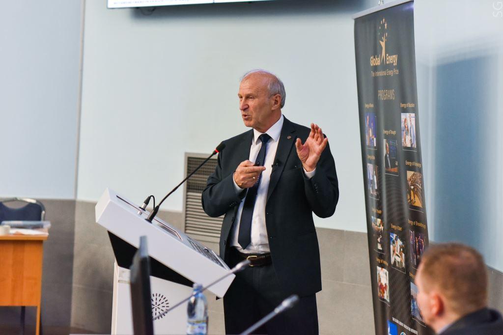 Лауреат «Глобальной энергии» Сергей Алексенко представит перспективы развития ВИЭ на форуме ARWE 2019