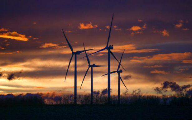 Впервые в истории США «чистая» энергия ВИЭ опередила уголь