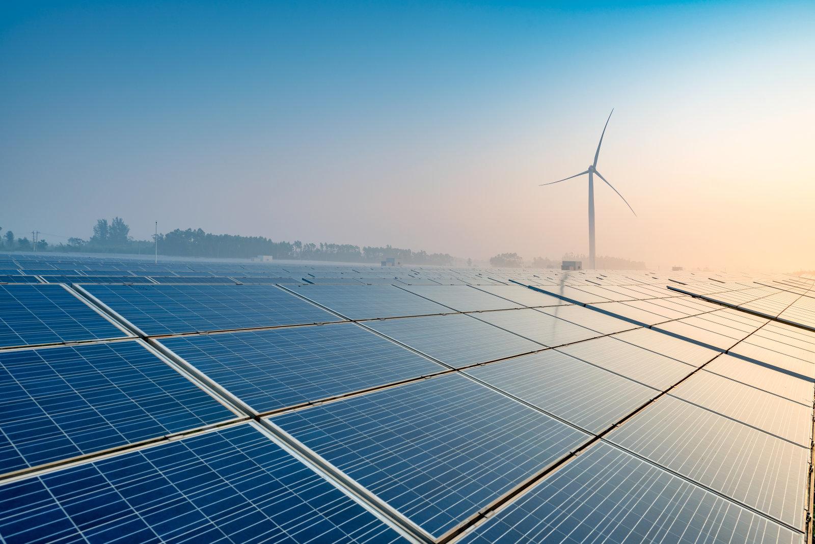 Комплекс солнечных установок - рассвет новой эпохи возобновляемой энергии?