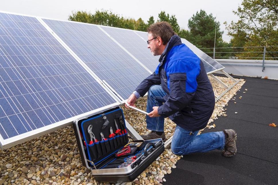 Новое грязезащитное покрытие для солнечных батарей увеличит их производительность на 3%