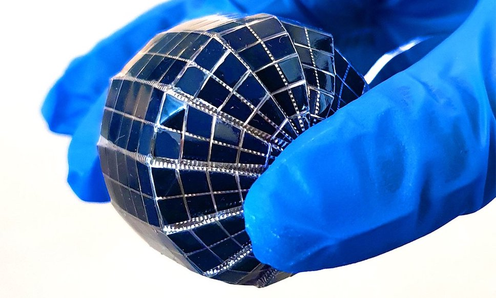 Сферические солнечные элементы вырабатывают в 2 раза больше электроэнергии, чем плоские