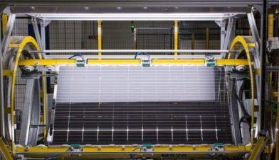 Отгрузка высокоэффективных двусторонних солнечных модулей LONGi достигла 10 ГВт