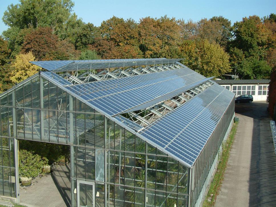Автономная теплица с солнечными батареями обеспечит урожаем в любое время года