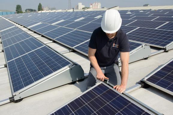 Aventron и HIAG создают совместное предприятие по установке солнечных панелей в Швейцарии