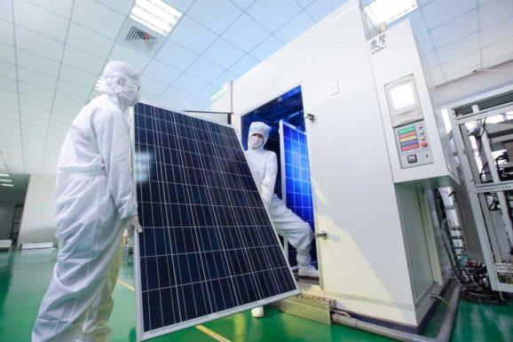 JinkoSolar усиливает стеклянное покрытие, чтобы к 2023 году произвести 59 ГВт солнечных модулей